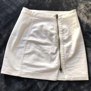 COPY - White zipper skirt. Never worn.